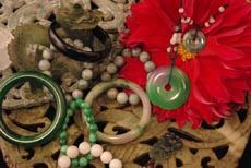 Chinese Decorative Items And Jewelry